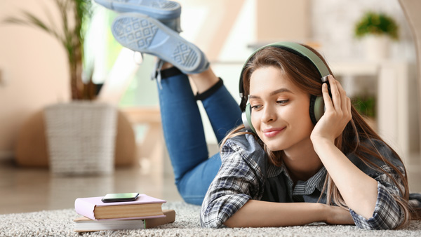 Zahlreiche neue Audiobooks und Sprachkurse verfügbar!